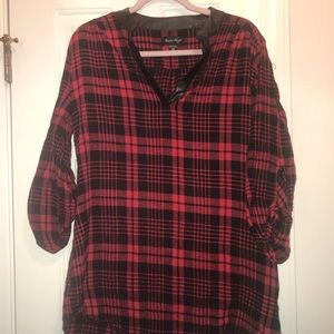 Tops - Plaid Blouse WITH POCKETS!